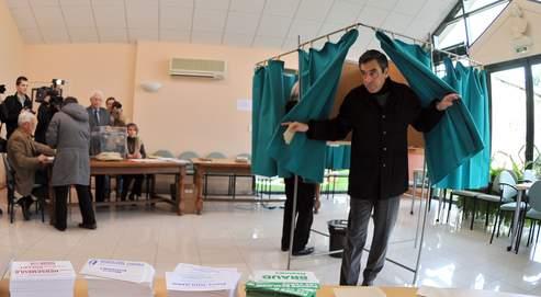 Élections cantonales: huit départements à la loupe