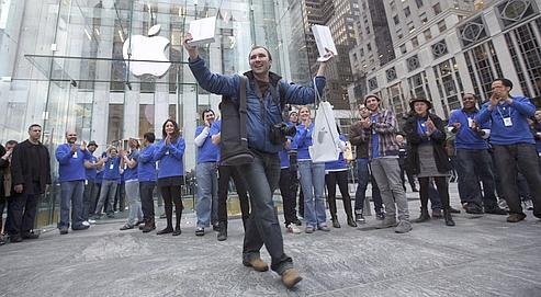 Selon des chiffres officieux, Apple aurait déjà vendu entre 600.000 et un million d'exemplaires de sa nouvelle tablette.