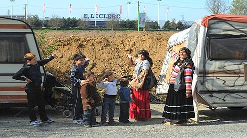 Roms expulsés au bulldozer : le patron du Leclerc regrette