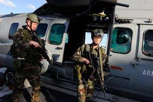 Par sécurité, les visages de ces commandos parachutistes de l'air ont été floutés. Leur mission : récupérer les pilotes éjectés en zone hostile. (Jean-Michel Turpin)