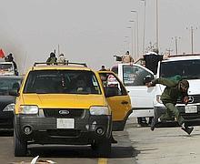 Les insurgés ont dû abandonner leurs positions à Ras Lanouf.