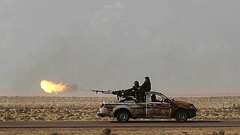 Tripoli rejette l'offre de trêve des insurgés