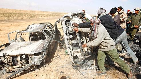 Libye : les combats se poursuivent, l'Otan enquête