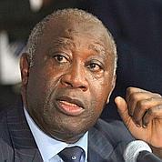 Acculé à la reddition, Laurent Gbagbo résiste
