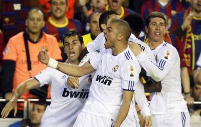 Les Madrilènes heureux après l'ouverture du score de Ronaldo
