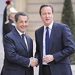 Nicolas Sarkozy accueille le premier ministre britannique David Cameron à l'Élysée, en mars dernier, pour le sommet international sur la Libye.
