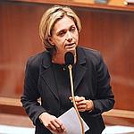 Valérie Pécresse, la ministre de l'Enseignement supérieur, présente son projet devant le Parlement.