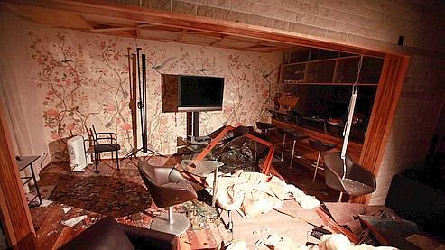 Le porte-parole du gouvernement a accompagné la presse sur les lieux d'une habitation bombardée à Tripoli.