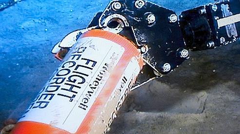 AF 447 : une première boîte noire a été repêchée