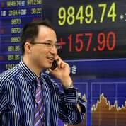 Le Nikkei finit au-delà des 10.000 points