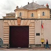 Michel Mercier sauve 15 prisons de la fermeture
