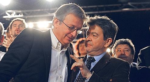 Le secrétaire national du Parti communistre français, Pierre Laurent, et le président du Parti de gauche, Jean-Luc Mélenchon, lors du congrès du PG, le 21 novembre dernier, au Mans.
