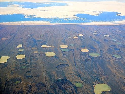 Rivage de la Baie d'Hudson, dans le Grand Nord du Québec. Crédits photo: jurvetson.