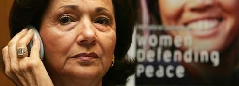 Égypte : l'épouse de Moubarak sous observation