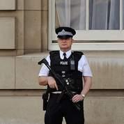 Tension à Londres après une alerte à la bombe