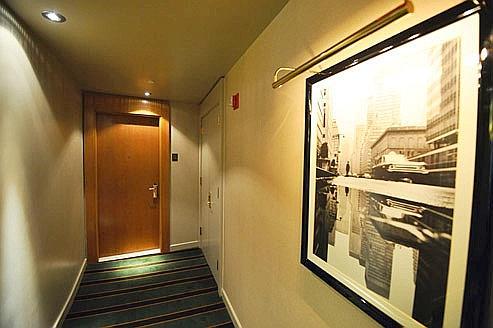 La porte de la suite 2806de l'hôtel Sofitel de Manhattan où se seraient déroulés les faits reprochés à Dominique Strauss-Kahn. Crédits photo: AFP/Jewel Samad.