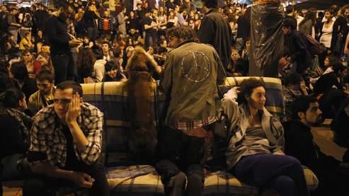 La jeunesse espagnole campe à la Puerta del Sol de Madrid