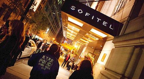 La direction du Sofitel de Manhattan n'a prévenu la police, via le 911, qu'à 13h32 samedi, soit une heure après les faits.