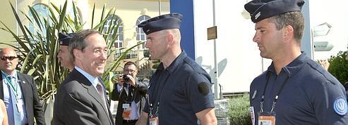 Radars : Claude Guéant suspend l'enlèvement des panneaux