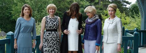 Carla Bruni affiche sa grossesse<br/>à Deauville<br/>