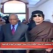 Les Africains cherchent une sortie à Kadhafi