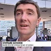 Le maire de Sevran veut des «casques bleus»