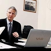 Villepin renforce sa présence sur Internet