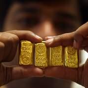 Le dollar faible soutient l'or et le pétrole