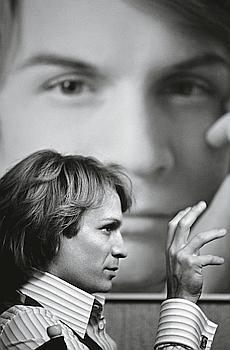 Le vrai Claude François ? Non, Jérémie Renier, qui campe Cloclo en bâtisseur maniaque et infatigable de sa propre légende. (Tibo et Anouchka/LGM Cinema)