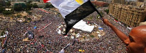 Les Égyptiens place Tahrir pour «sauver» la révolution