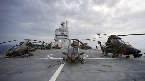 Depuis la fin du mois de mai, le porte-hélicoptères Tonnerre a rejoint les dispositif déployé au large de la Libye.