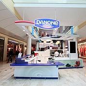 Danone s'essaie aux bars à yaourts