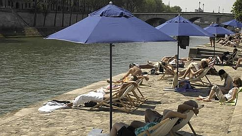 Farniente à Paris Plages 2010. (Photo : Marc VERHILLE / Mairie de Paris)