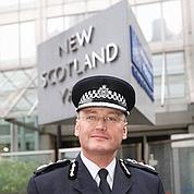 Écoutes : démission du chef de Scotland Yard