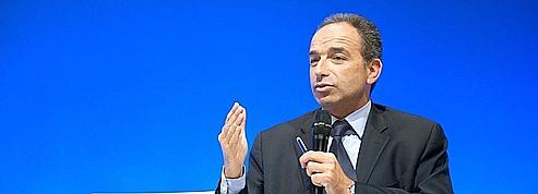 L'UMP dénonce la «paranoïa» du PS