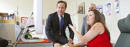 Cameron monte au front pour faire oublier les scandales