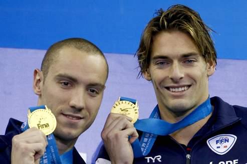 Jérémy Stravius (à gauche) et Camille Lacourt, nouveaux maîtres mondiaux de la natation