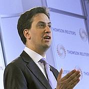 Le Labour accentue la pression sur Cameron