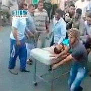 Un blessé est évacué.