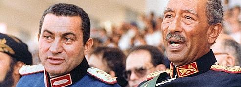 Moubarak, un chef d'État rattrapé par son époque