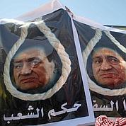 Égypte : pro et anti-Moubarak s'affrontent
