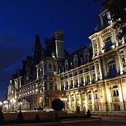 À l'Hôtel de ville, Paris s'affirme face à l'État