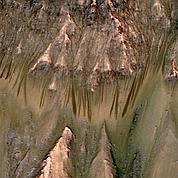 De possibles traces d'eau liquide sur Mars