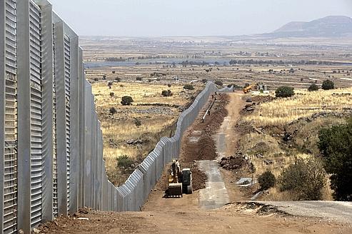 Travaux de renforcement de la clôture le long de la frontière israélo-syrienne, le 28 juillet dernier.