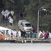 Les familles se recueillent à Utoeya