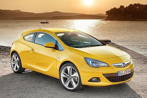 Le dessin est à la hauteur de la couleur, extraverti. Mais le style Opel s'affirme et devrait bénéficier, sur le GTC, de moteurs plus ambitieux que le 180 ch proposé au mieux actuellement. (Photos DR)
