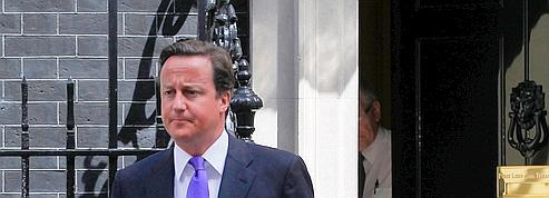 Cameron accentue son coup de barre à droite