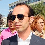 Berlusconi rattrapé par un scandale sexuel