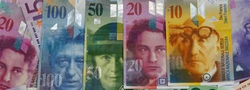 Suisse: la banque centrale s'attaque au franc fort