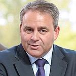Bertrand a annoncé que l'Afssaps allait réaliser une nouvelle étude sur le Protelos.